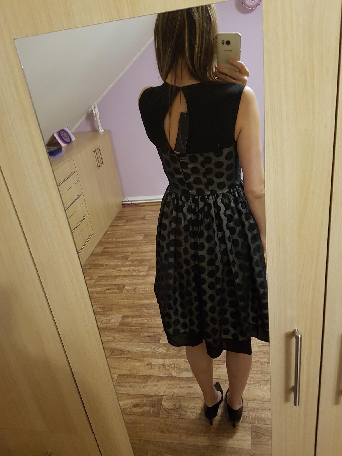 Společenské šaty s puntíky vel. 38 - Obrázek č. 3