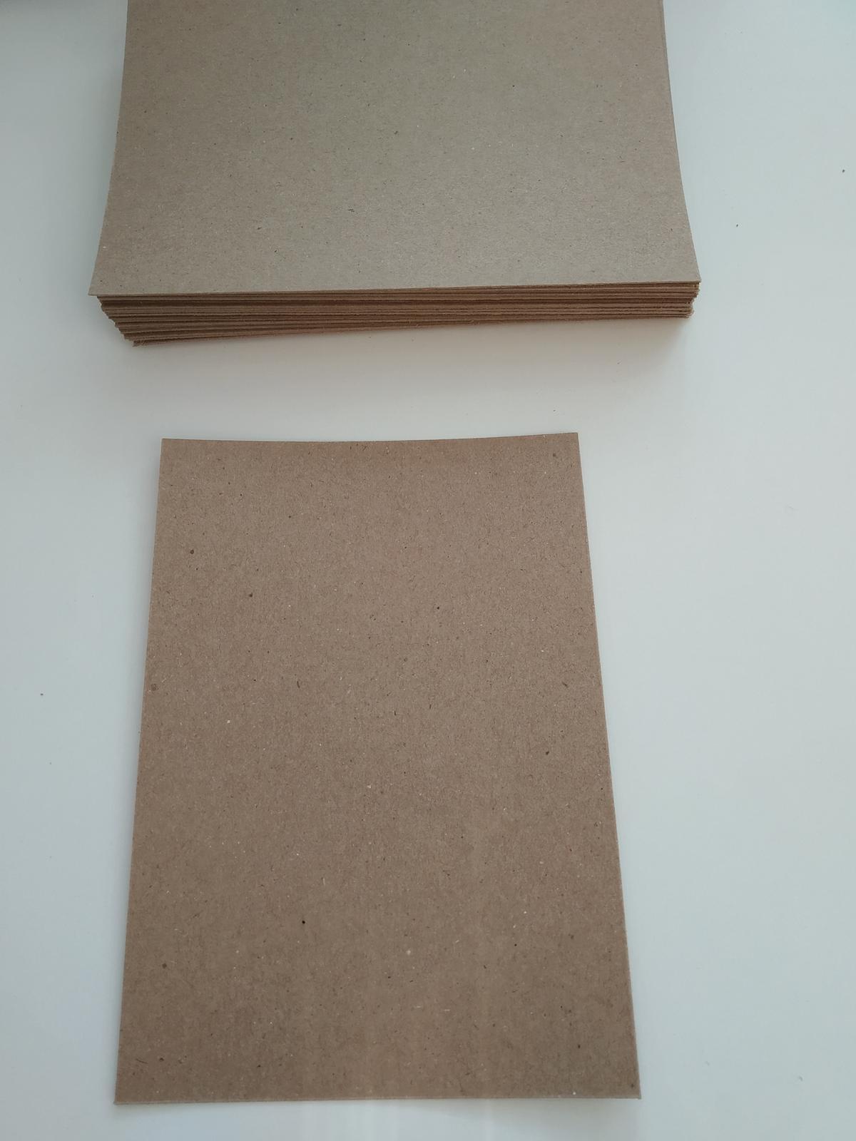 """Přírodní """"kraft"""" papír tvrdý - A6   - Obrázek č. 1"""