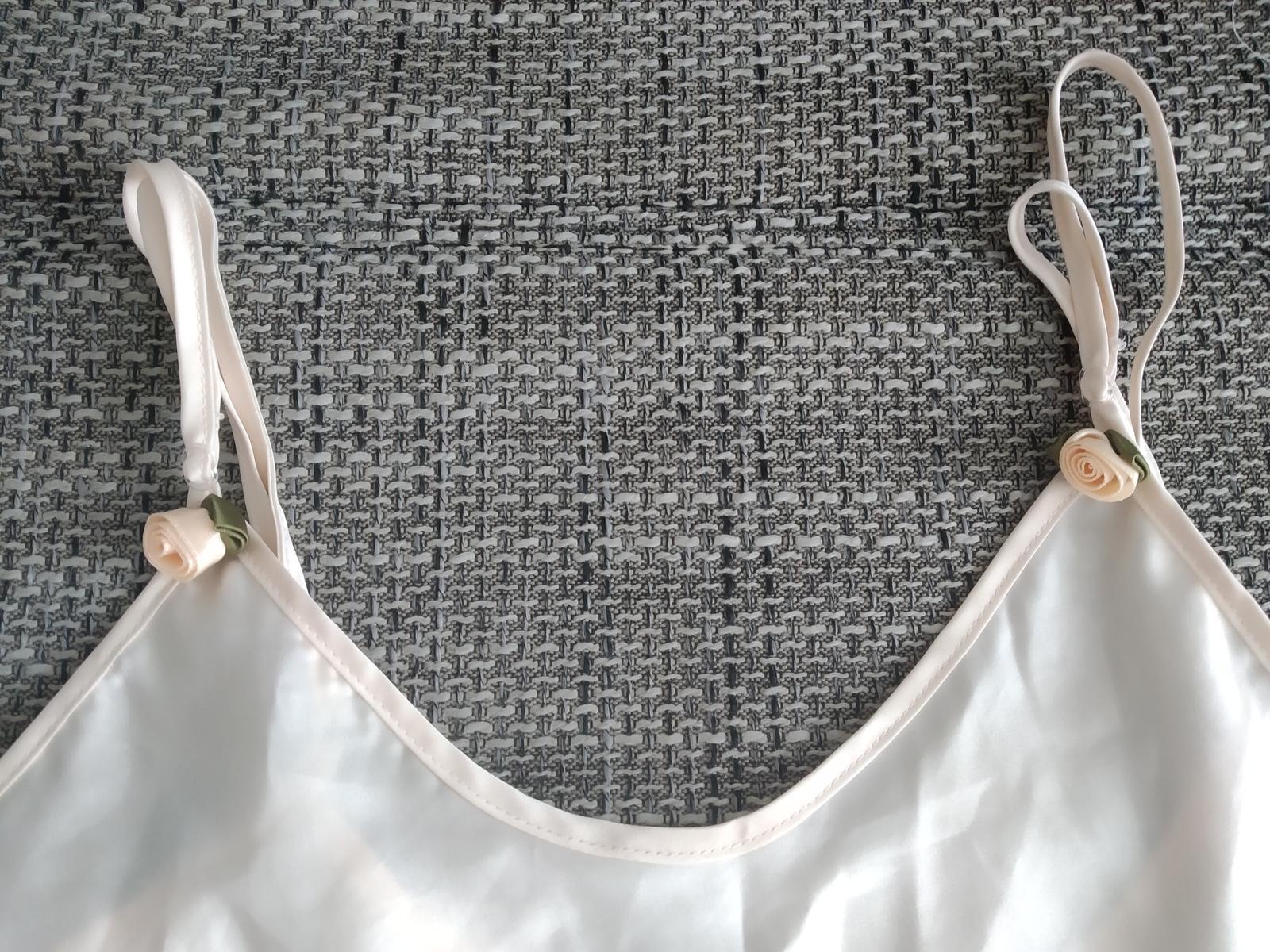 Saténová košilka - Obrázek č. 3