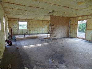 26.8.2015 - 5 den stavby - vnitřní izolace