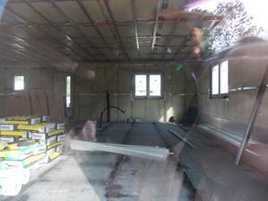 11.9. 2015 - 11(17) den stavby - parozábrana a příprava příček