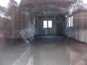 2.10. vylitá podlaha a stropní digestoř - je parádní