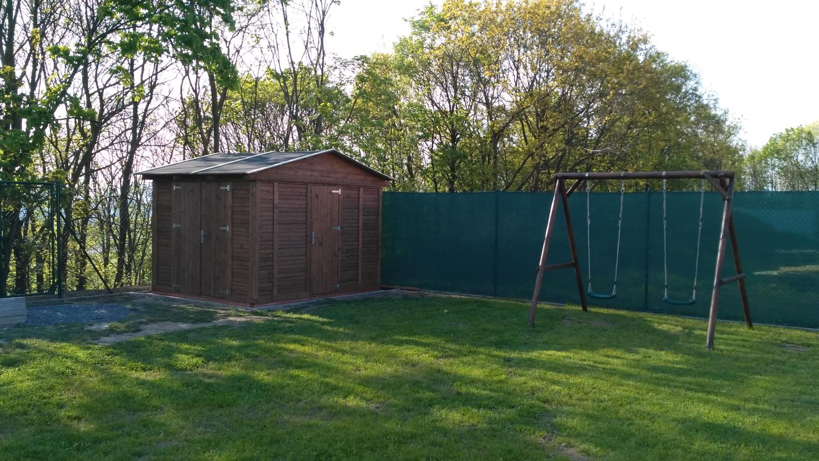 Okolo domu :o) - zahradní domek