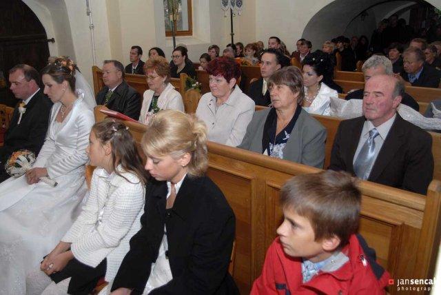 Boženka{{_AND_}}Milan - Kostol v Miklušovciach bol úplne plný.