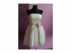moje šaty na její svatbu, no ....  po úvaze a předpovědi počasí možná zvolím kalhoty a šaty  nechám jako plesové :)