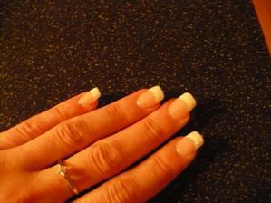 klasická francie - jen ozdobit prsteníček :)