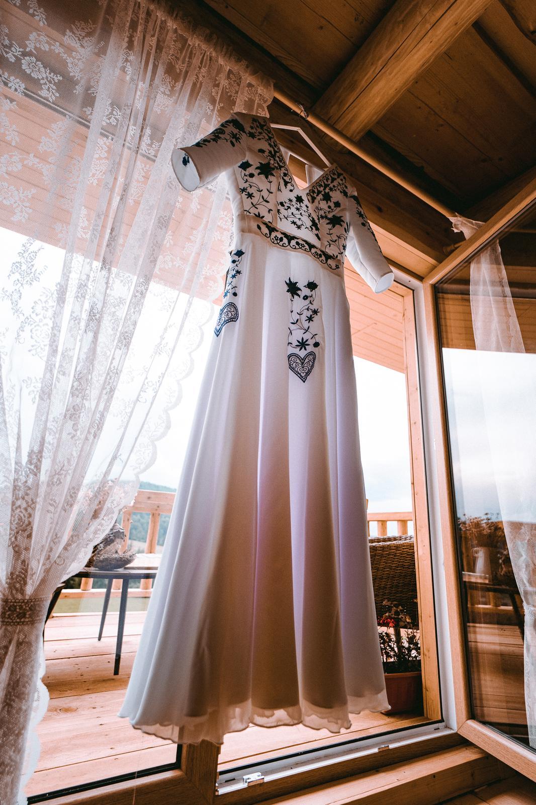 Svadobné šaty folk - Obrázok č. 2