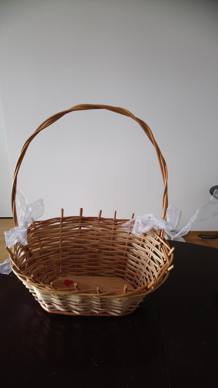 proutený košík na darky pro hosty - Obrázek č. 1