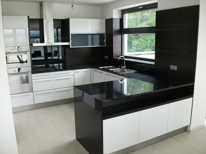 Kuchyňa - tak toto je naša inšpirácia č.1........ale biela+wenge