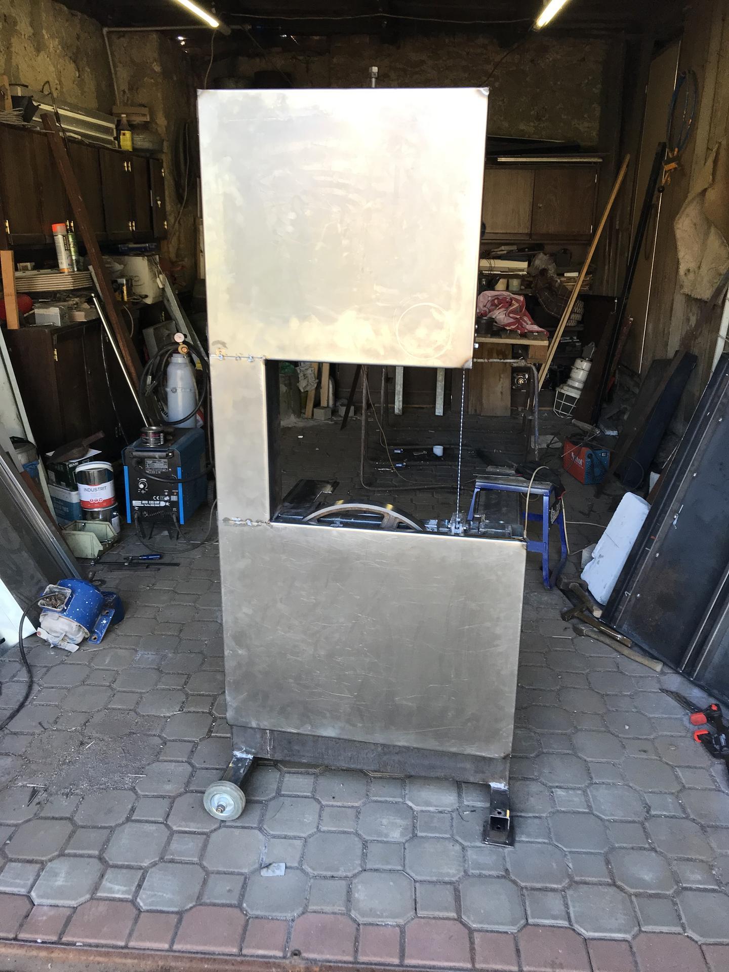 Výroba pásové pily na Ytong - Zakrytí pohyblivých částí