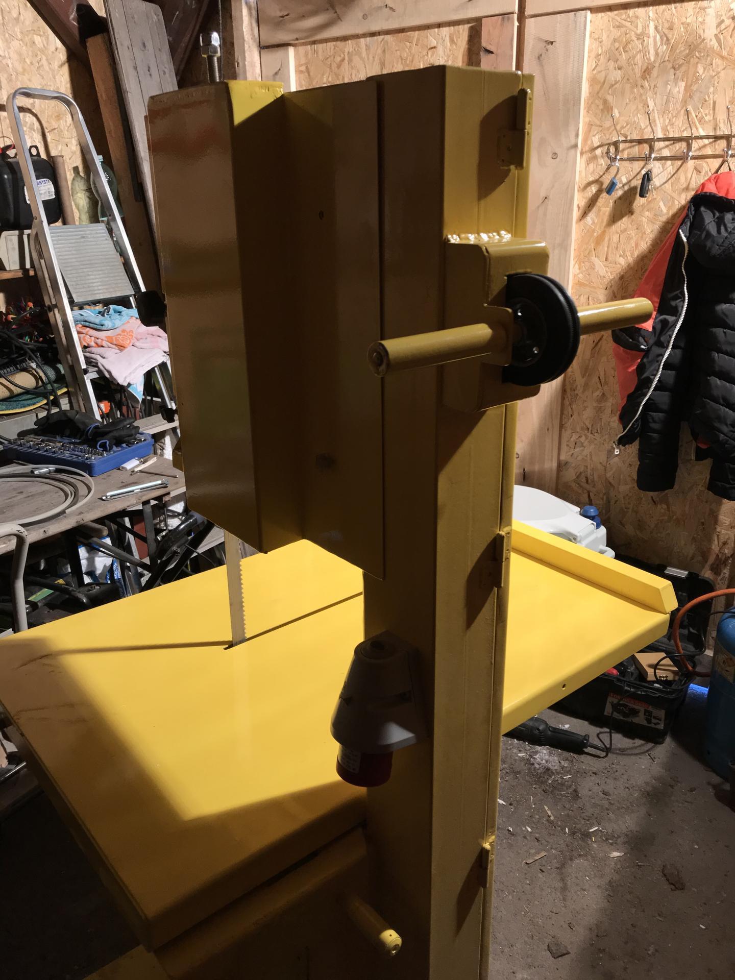 Výroba pásové pily na Ytong - Kolečko pro snadný přesun v dodávce či na vozíku.