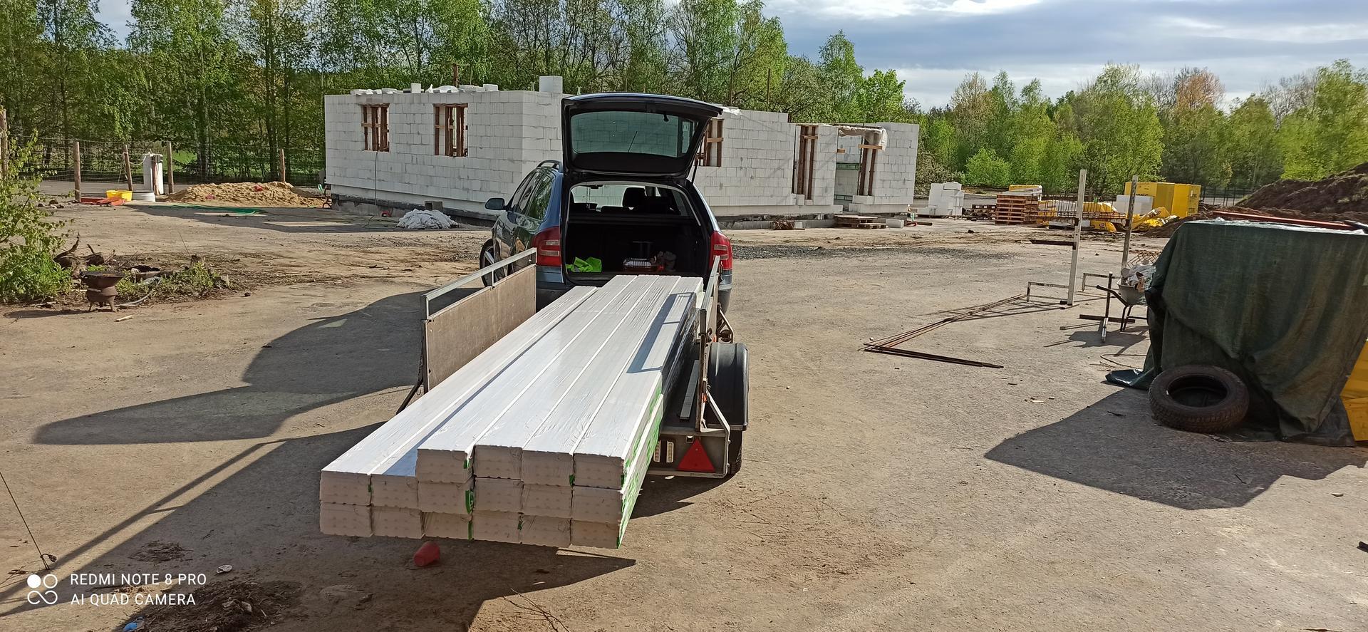 Střecha - Palubky kvality A/B 24x146x4000 na podbití střechy.