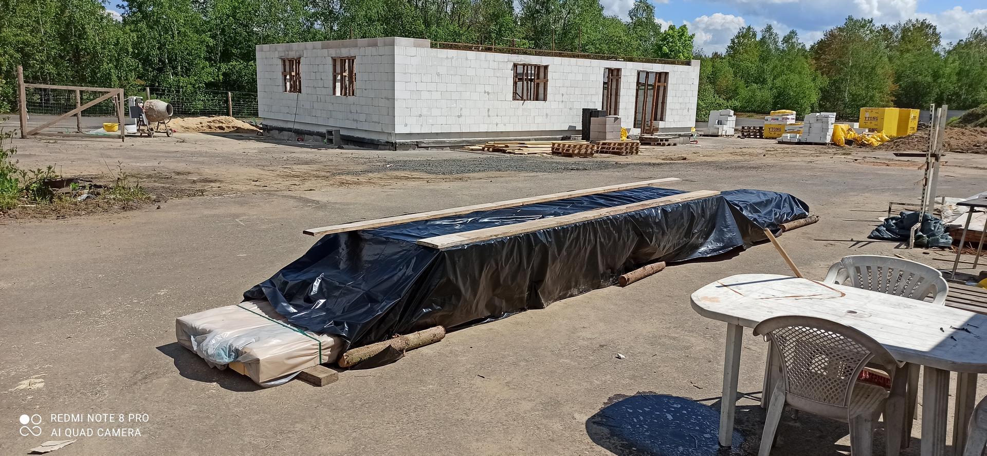 Střecha - KVH a BSH už je konečně u nás  složené.