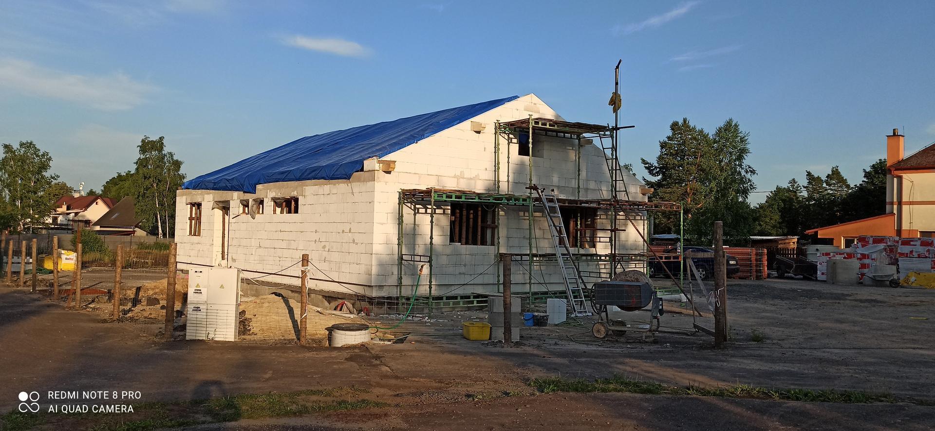 Střecha - První štít hotový 💪