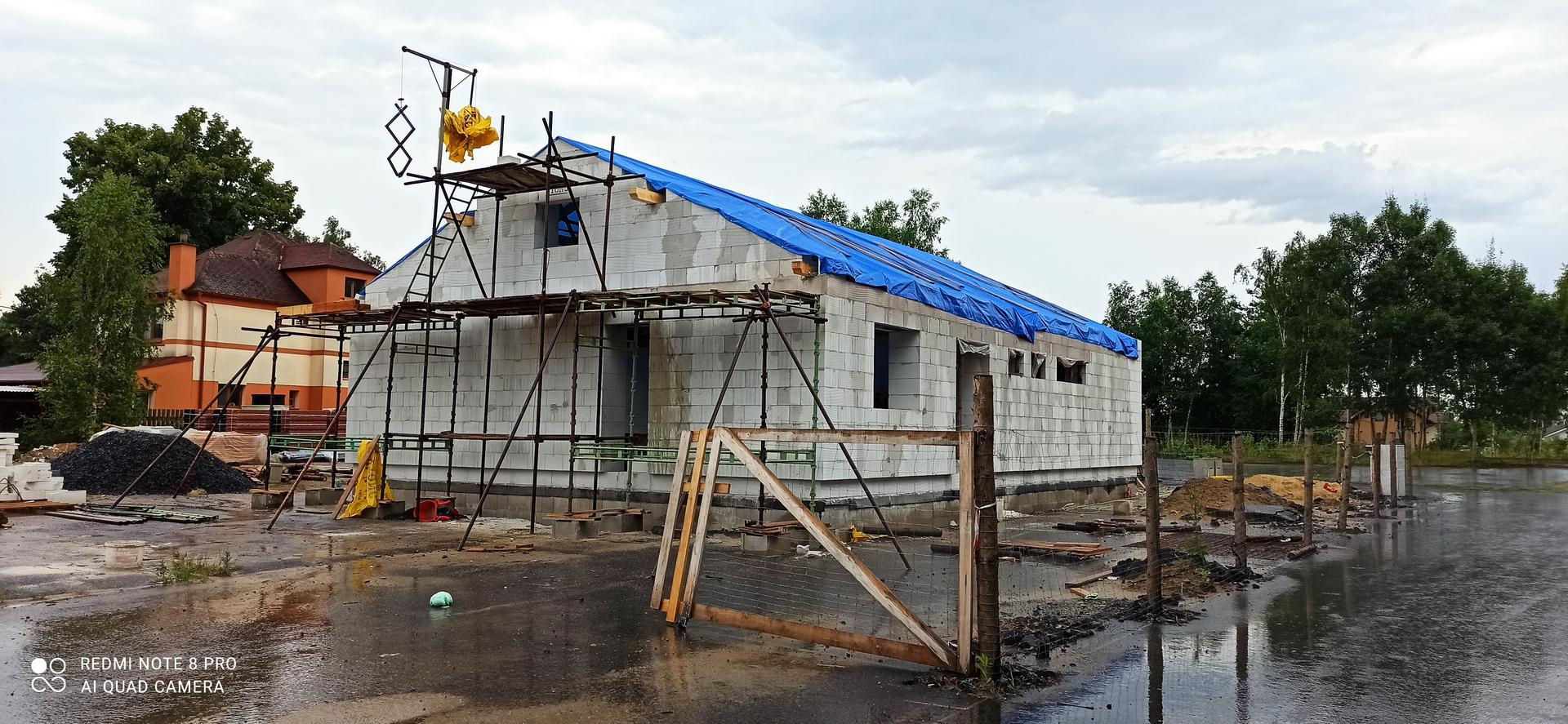 Střecha - Druhý štít hotový
