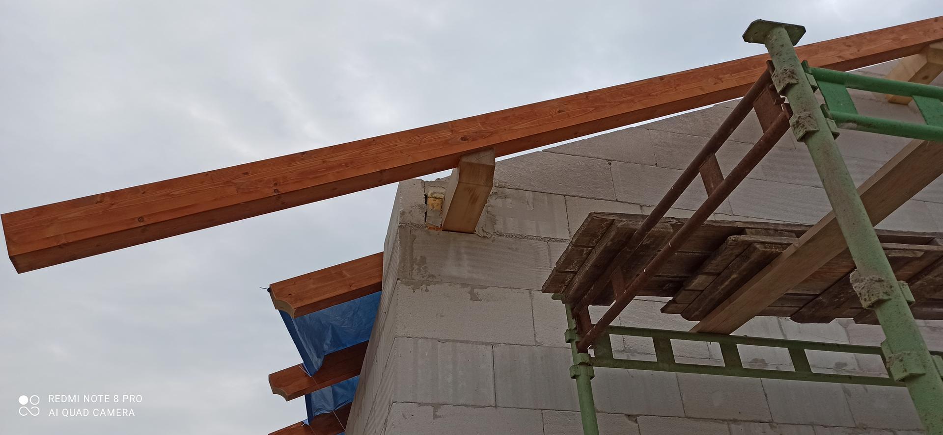 Střecha - Detail skrytého sedla.
