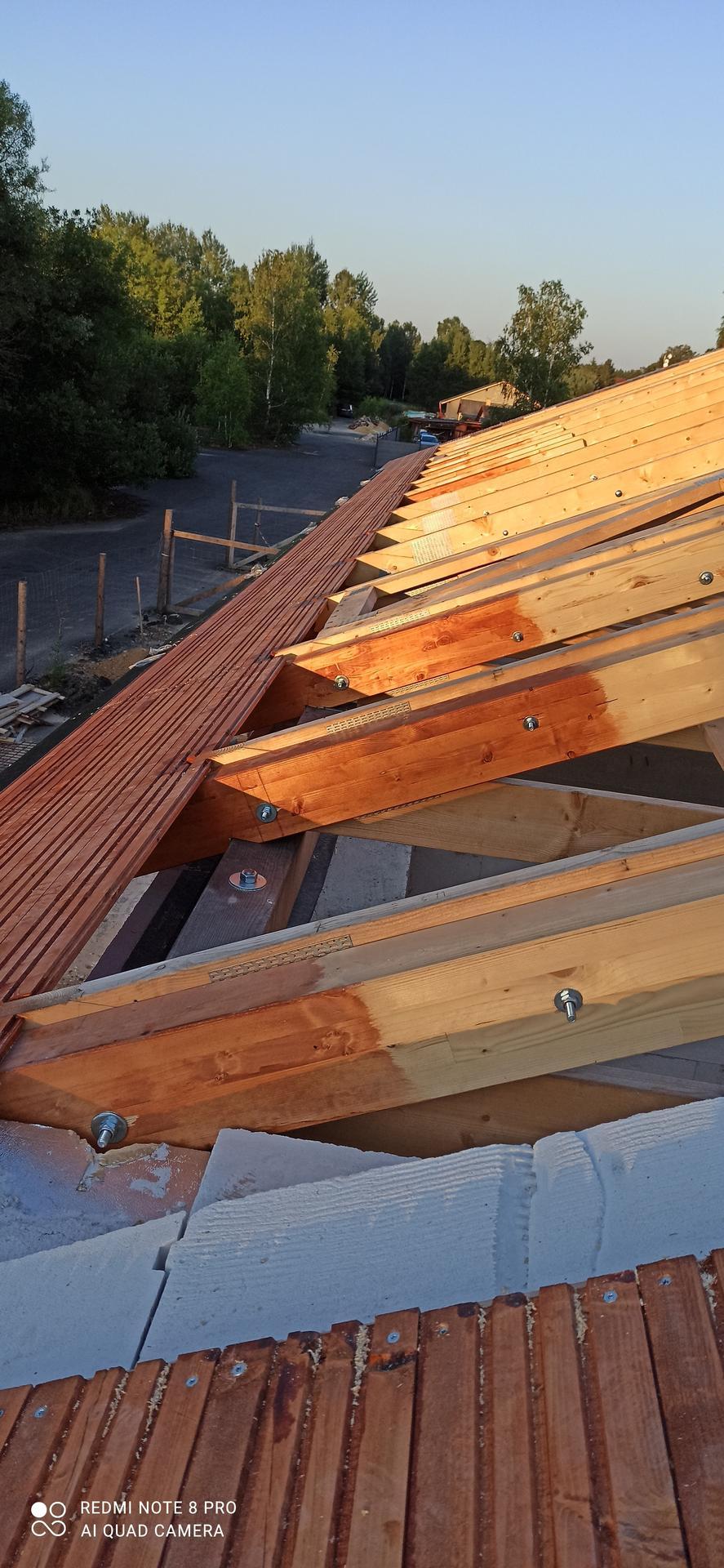 Střecha - Nadbití s palubek tl.24 mm .