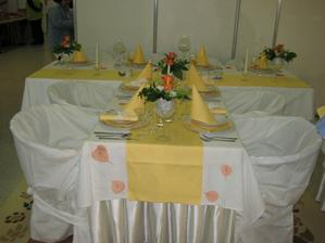 ukázka výzdoby z veletrhu ve žluté