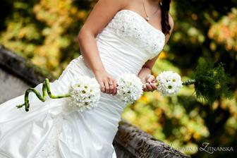 moja svadobna kytka v plnej krase...