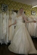 Svatební šaty - už jsou moje!