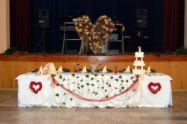 Prípravy a svadba - Toto nám pripravila kamarátka Miluška, za čo jej ďakujeme...