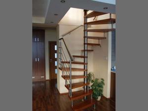 hledáme inspiraci na točivé schodiště do obýváku