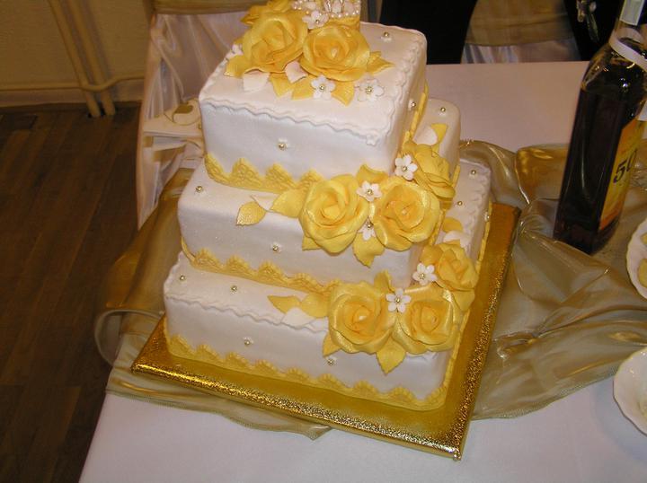 Svadobne torty, zakusky - Obrázok č. 30