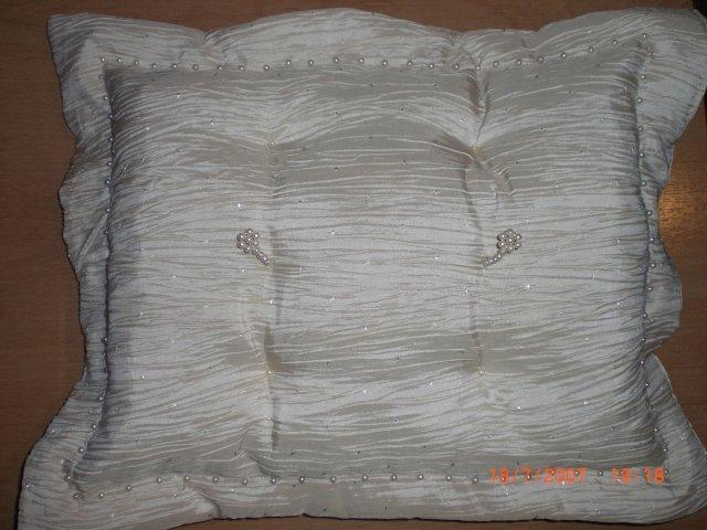 L&T - vankúšik na prstienky (vlasná výroba)