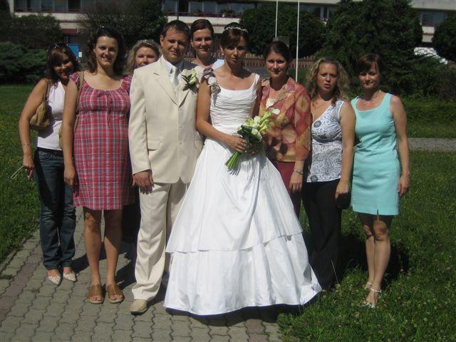 Dada{{_AND_}}Maťo - Spoločné foto s kolegynkami