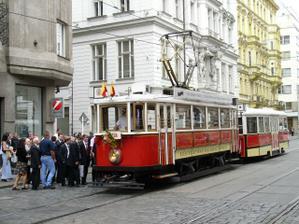 Moje sestřička měla svatební tramvaj...ale my ji mít asi nebudeme