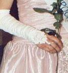 Moje rukavičky, které jsem měla na maturitním plese....možná si je vezmu i na svatbu