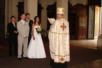 Než jsme přistoupili k oltáři, tak se nás pan farář zeptal, jestli to doopravdy chceme
