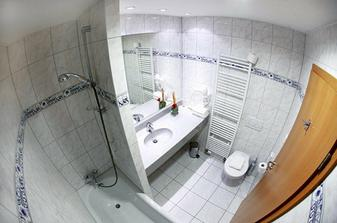 koupelna kde se budeme rochnit..