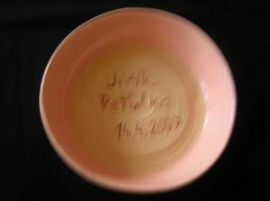 miska na polévku vlastnoručně dělaná ženichovou sestřičkou Martinkou...kujeme