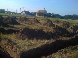 Základy vykopané.