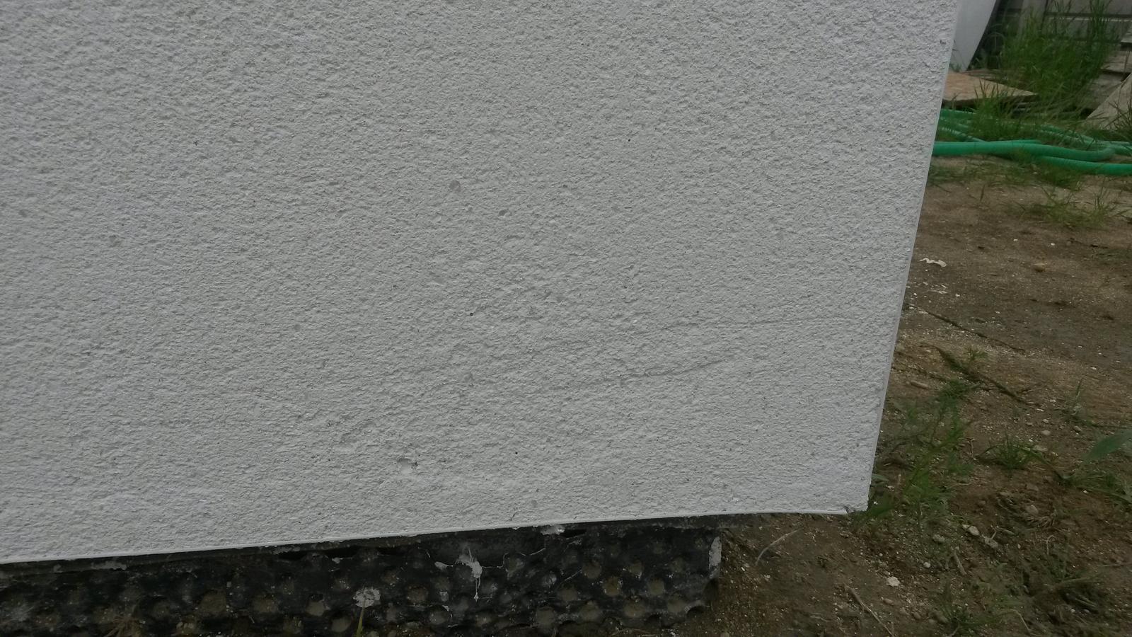 Brizolitova fasada - Weber Top 203 - NOVOSTAVBA - Ryhy, ktore sa uz asi nebudu dat opravit. Ci?