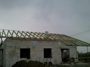 už sa robi krov