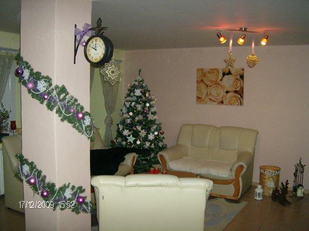Náš 100 rokov starý domček :) - vyzdoba vianoce