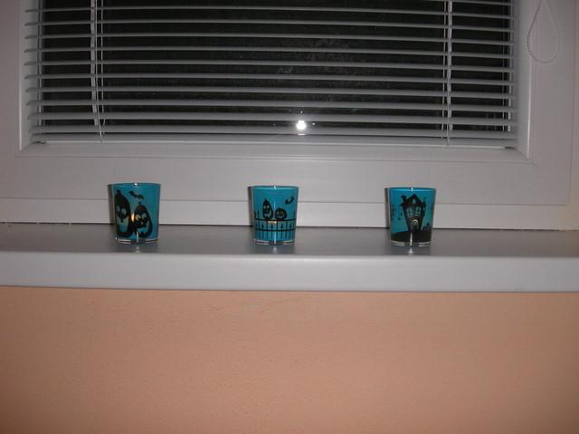 Náš 100 rokov starý domček :) - nove svietniky v detskej izbe :)