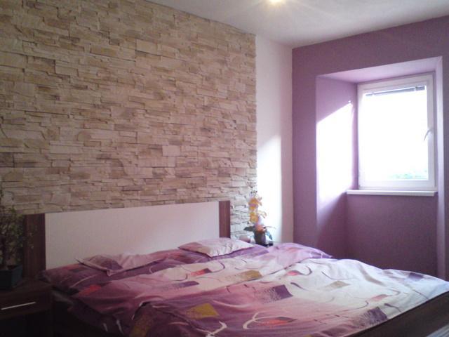 Náš 100 rokov starý domček :) - ešte zavesi a lampa :)