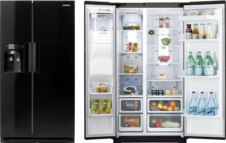 Náš 100 rokov starý domček :) - chladnička zaplatená v pondelok mi ju dovezú jupíííííí teším sa :D len foto predtým som musela vymazat robila som reklamu :¨'