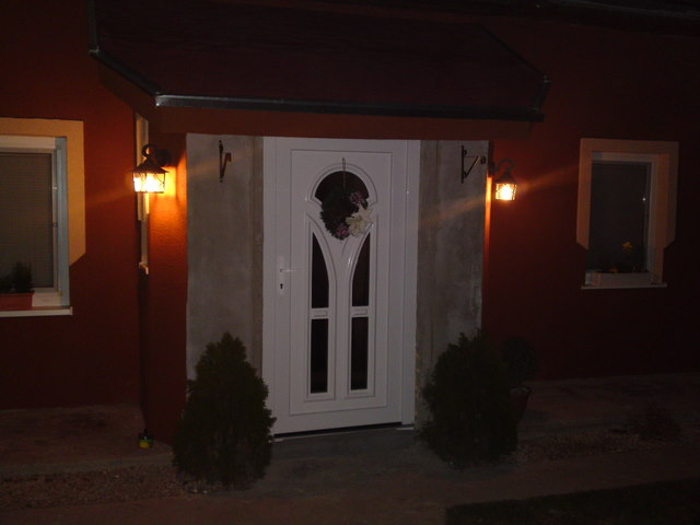 Náš 100 rokov starý domček :) - :)