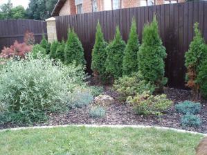 Záhrada po troch rokoch od realizácie.