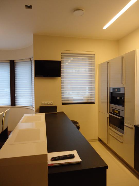Zarizovaci - Nova tv v kuchyni :)