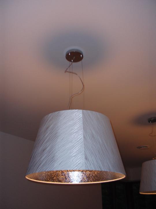 Nova loznice :) - Jeste jdou prisadit ke stropu, ale jsou obrovsky, mohutny...