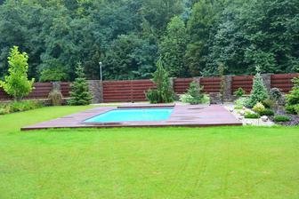 Nove zahradni koule u bazenu :)