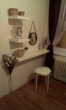 Můj roh v ložnici :)