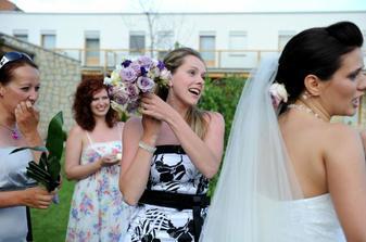 Tak ji šla chytat vdaná Ilonka :)