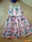 Kvetinkové šaty, 158