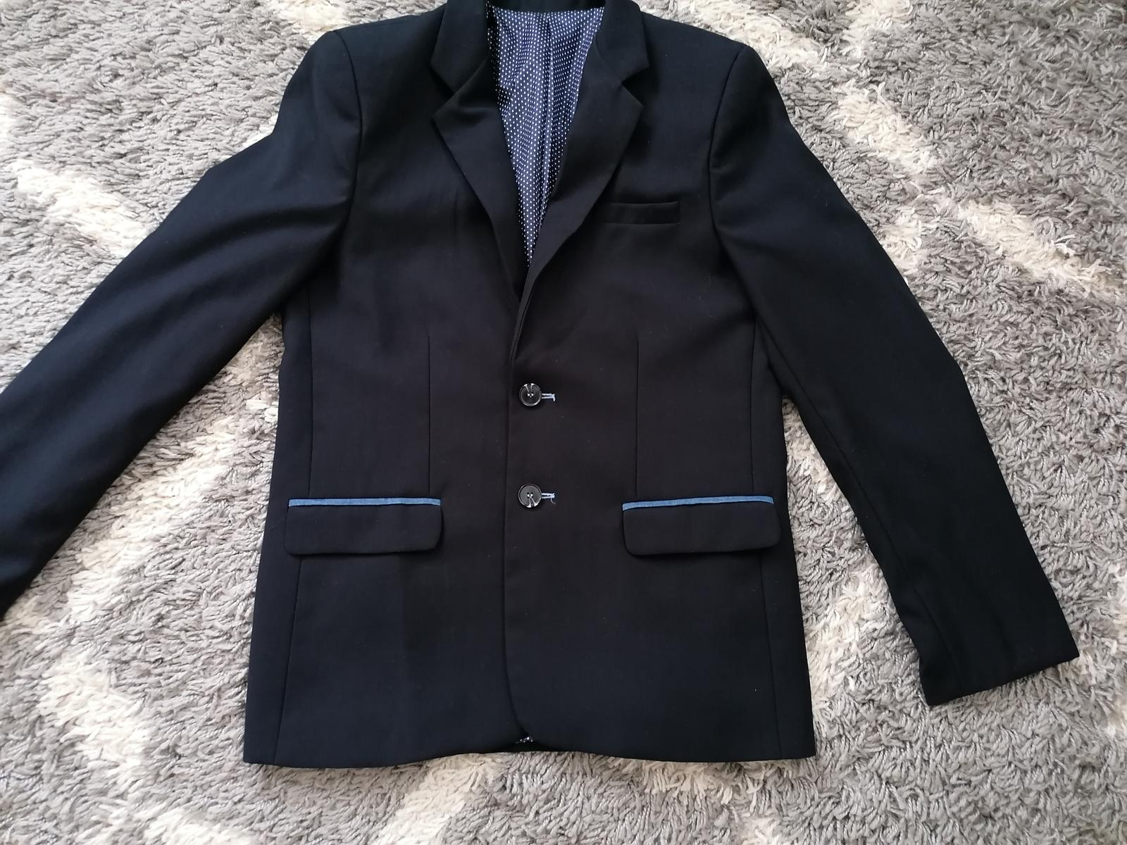 Tmavomodrý oblek  - Obrázok č. 2